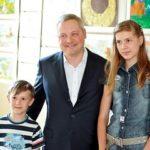 Фонд Игоря Янковского наградил юных художников путевками в «Артек». Видео